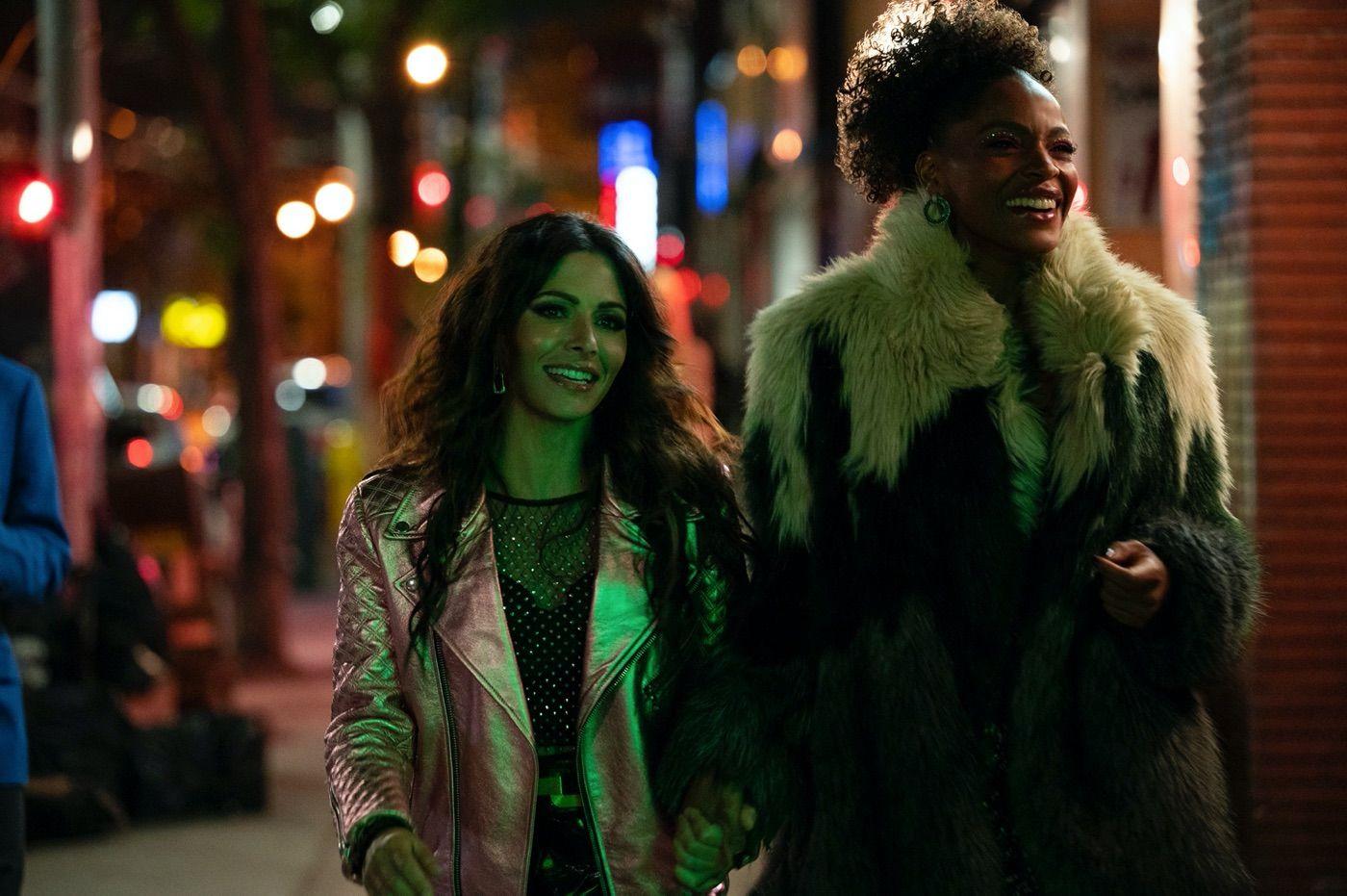 Netflix's New Show Sex/Life Teases Unique Love Triangle