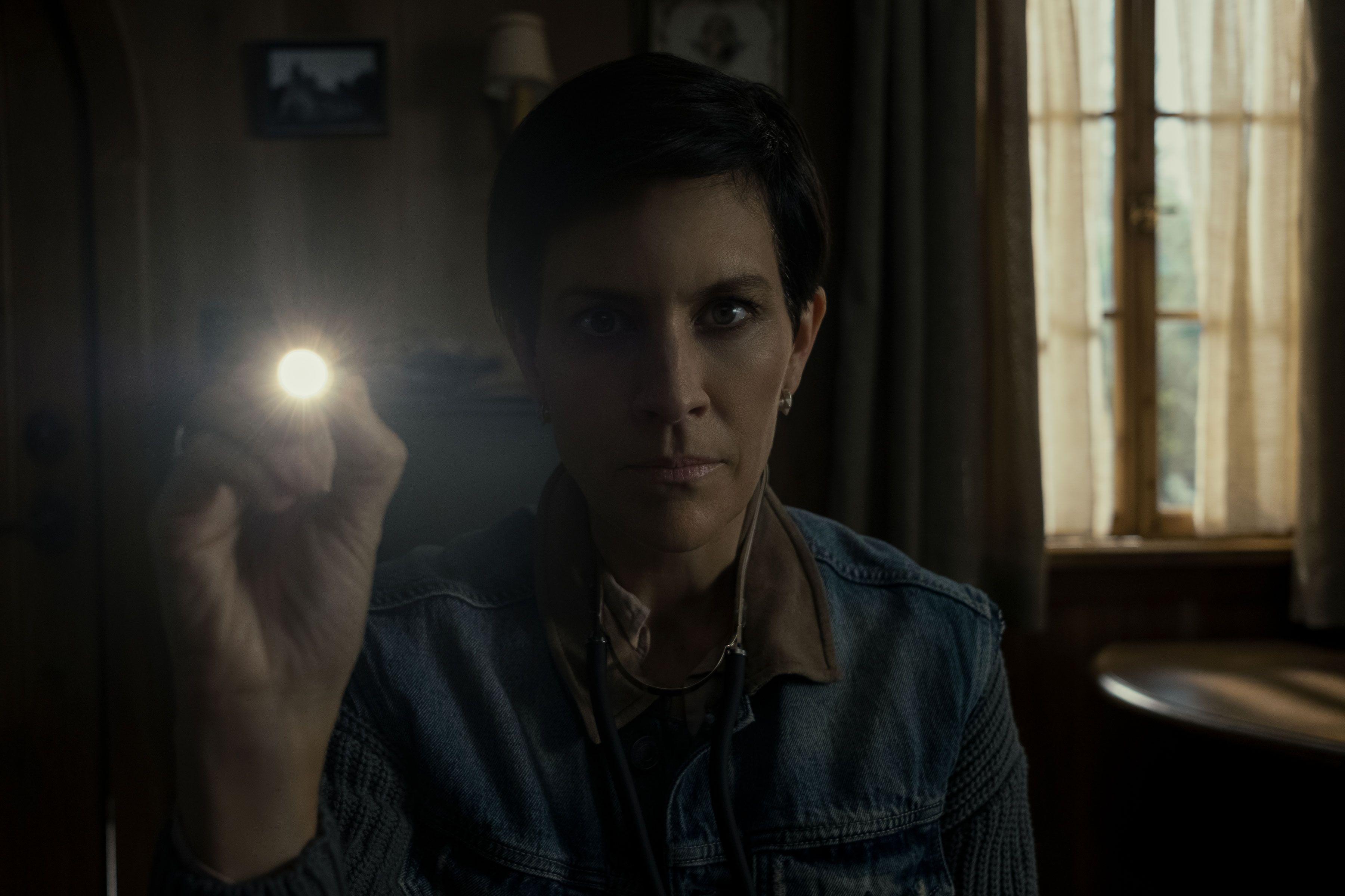 "'Midnight Mass' Stars Annabeth Gish and Kristin Lehman on the Magic of the ""Flana-Family"""