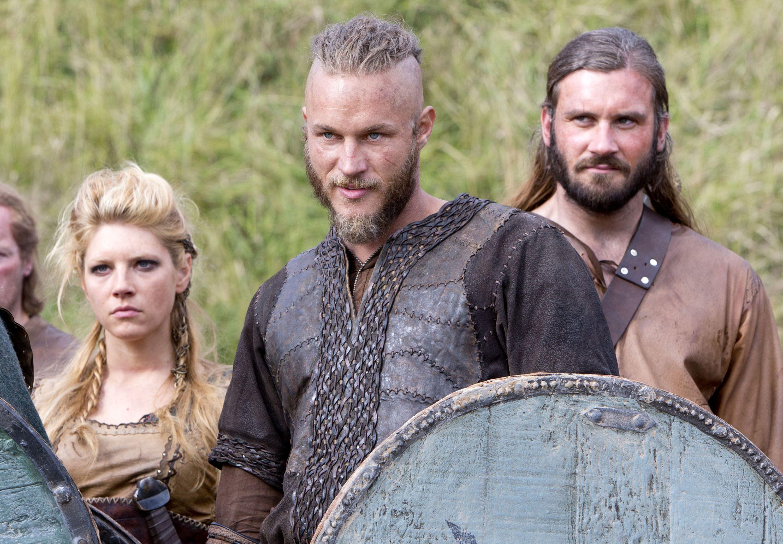 O criador de 'Vikings' Michael Hirst revela seu motivo para encerrar sua série de sucesso 1